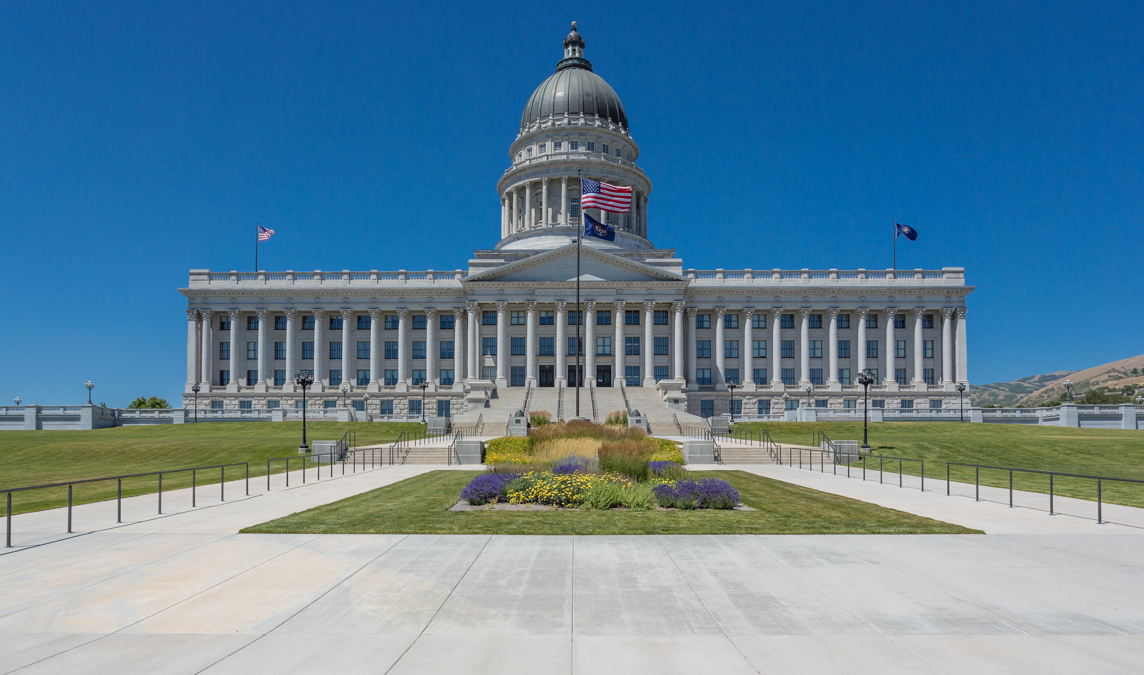 Utah_State_Capitol,_Salt_Lake_City_(7631480380).jpg